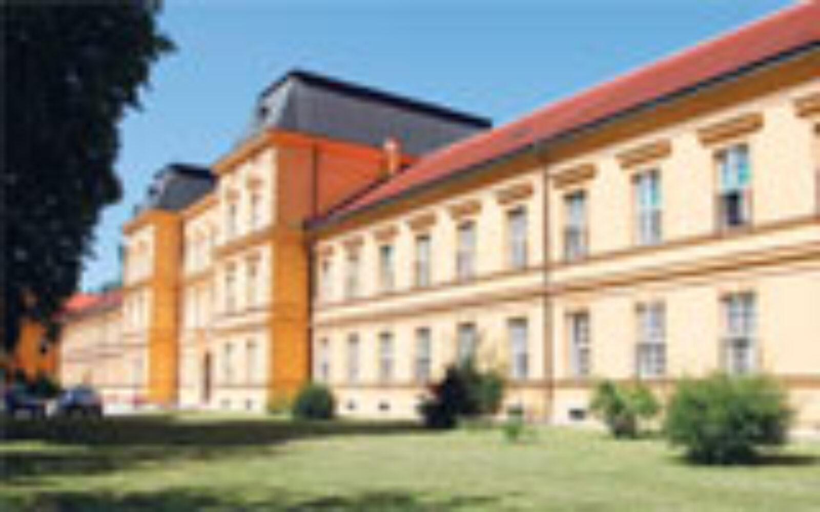 Spajanjem Psihijatrijskih Bolnica Jankomir I Vrapce Zagreb Bi