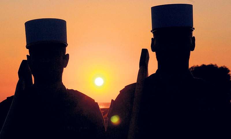 Za legionara, borba i umiranje nisu u službi višeg cilja; oni su cilj sami po sebi
