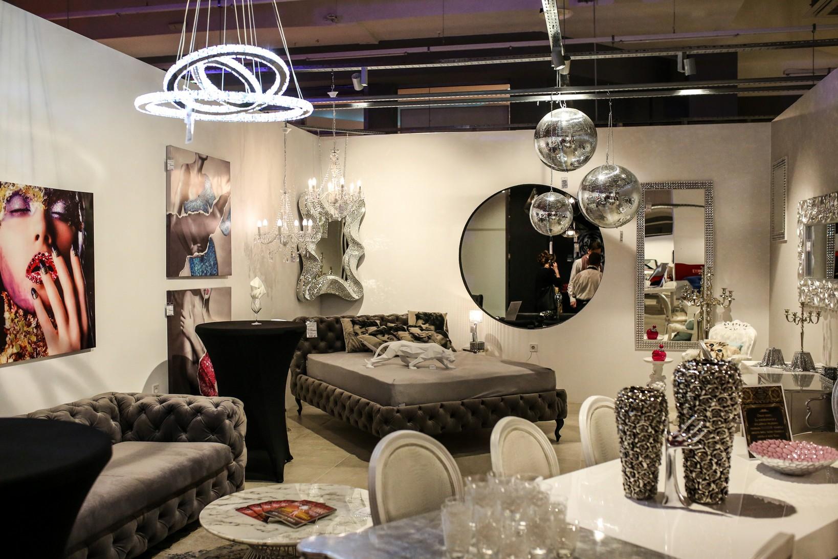 poslovni dnevnik. Black Bedroom Furniture Sets. Home Design Ideas