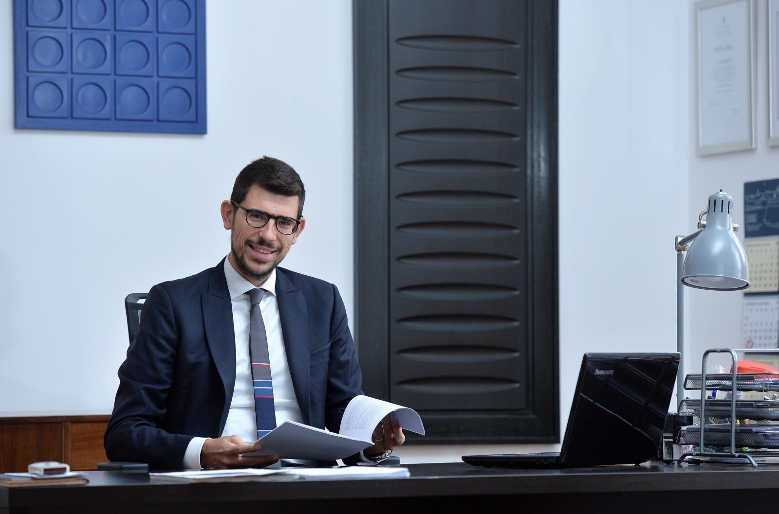 Vlaho Hrdalo, odvjetnik koji piše doktorat na temu pametnih ugovora