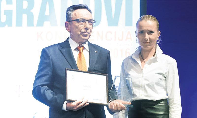 Ivanečkom gradonačelniku Miloradu Batiniću nagradu u kategoriji