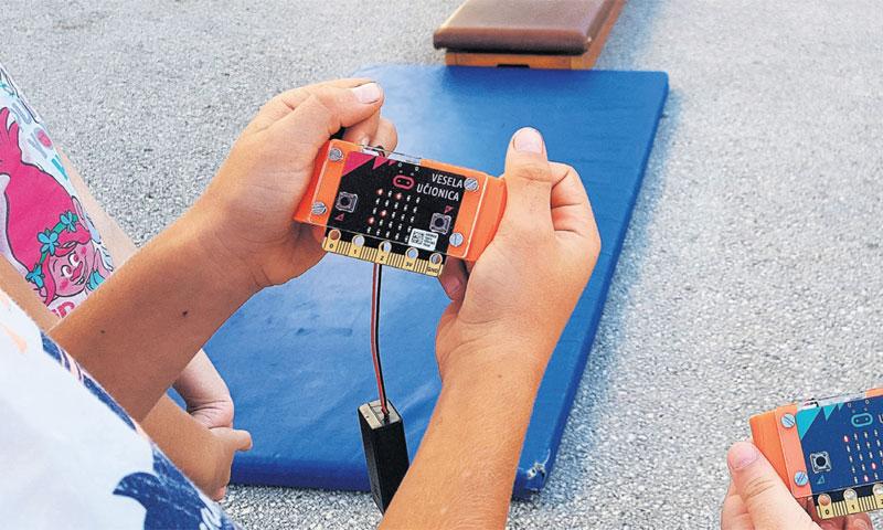 Micro:bit se koristi i kao štoperica na tjelesnom odgoju