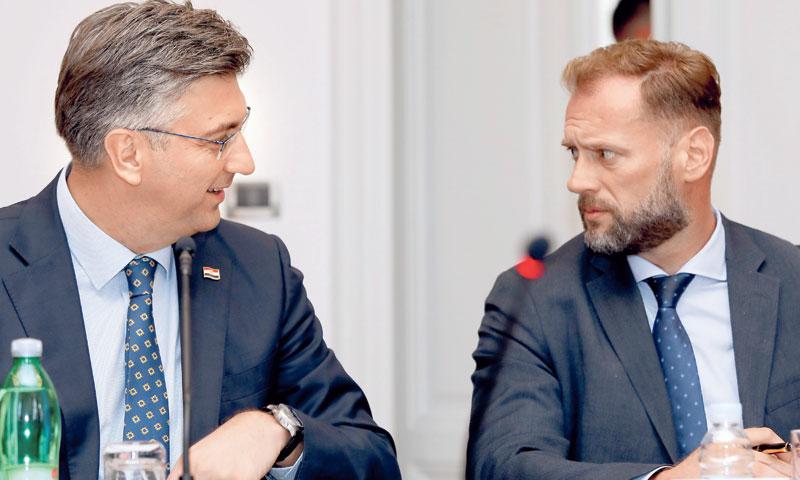 Premijer Andrej Plenković i novi ministar državne imovine Marin Banožić/Patrik Macek/PIXSELL