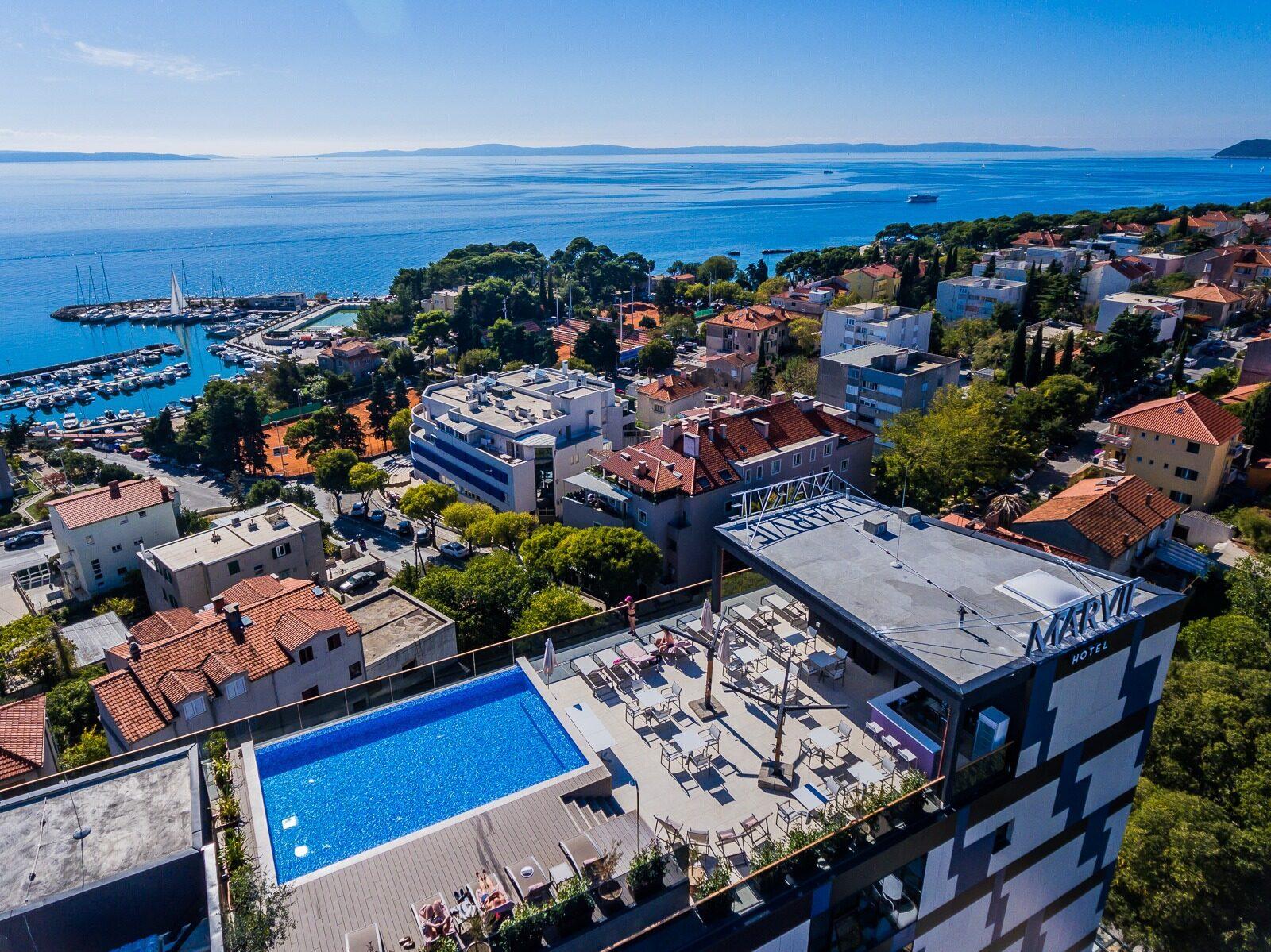 Marvie Hotel & Health_rooftop pool